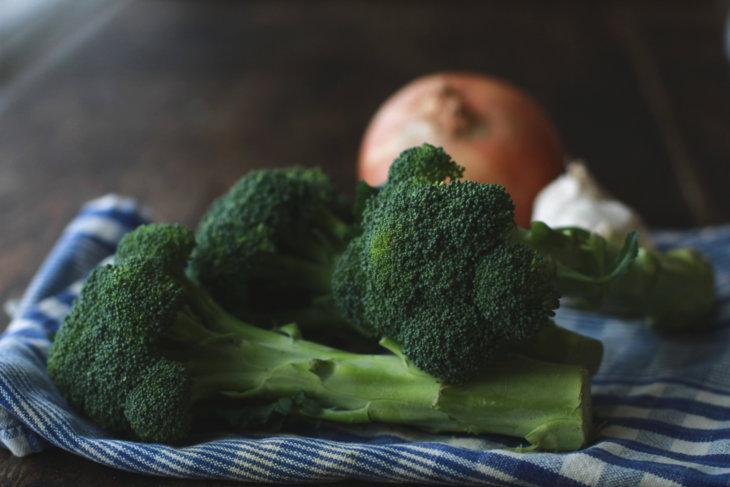 broccoli onion garlic