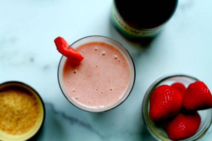 Strawberry Basil Kombucha Smoothie recipe