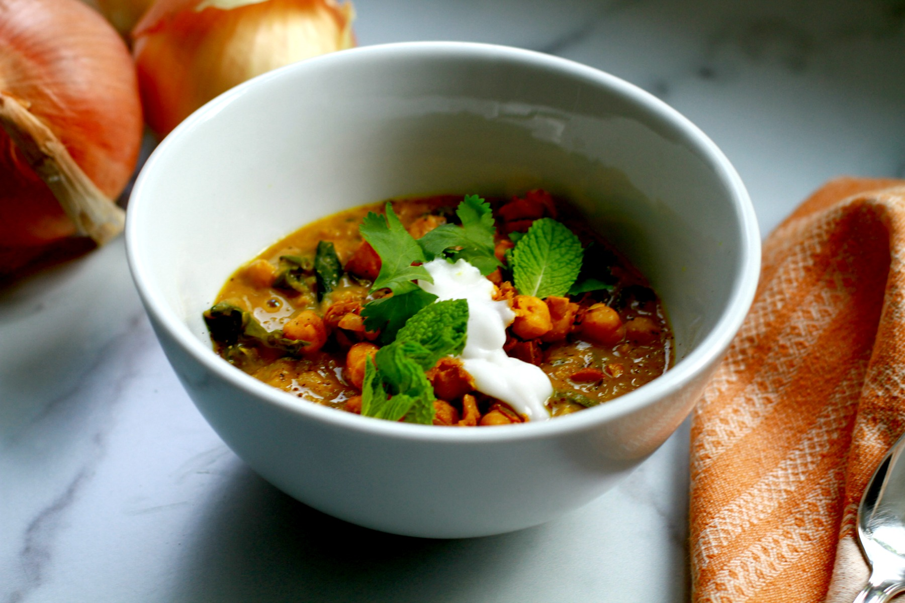 chickpea stew with turmeric and coconut
